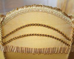 Detail lemonvání a ozdobné šňůry